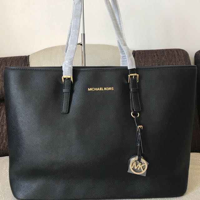 0531d286cb49 Last piece!! Michael kors jet set macbook tote bag saffiano leather ...