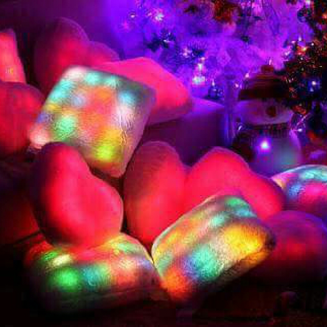 -Light up the night with the BRIGHT LIGHT PILLOW, the super soft plushy pillow that kids love!  -pillow changes color automatically. -can be used of people of all ages. *kw