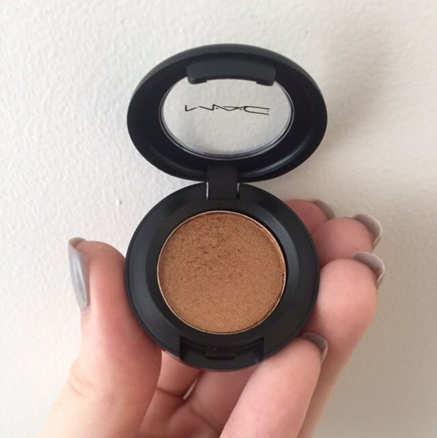 MAC amber lights eye shadow