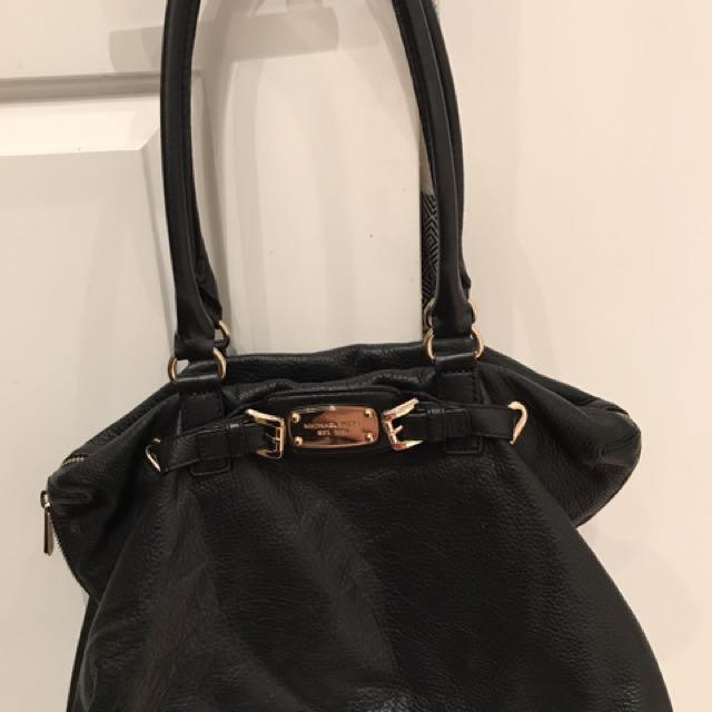 Michael khors leather bag