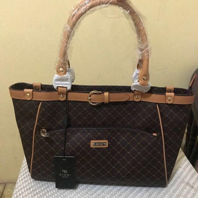 Review Hannah Handbags Rioni Vs Louis Vuitton Best Handbag 2018