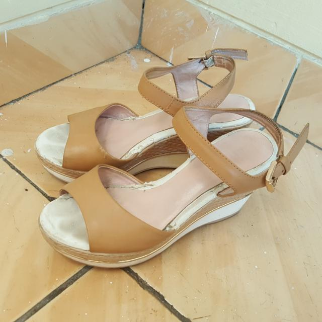 Sepatu Wedges Free Ongkir JAKARTA