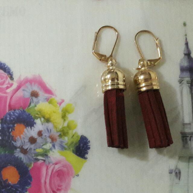 Tassel Earrings - maroon