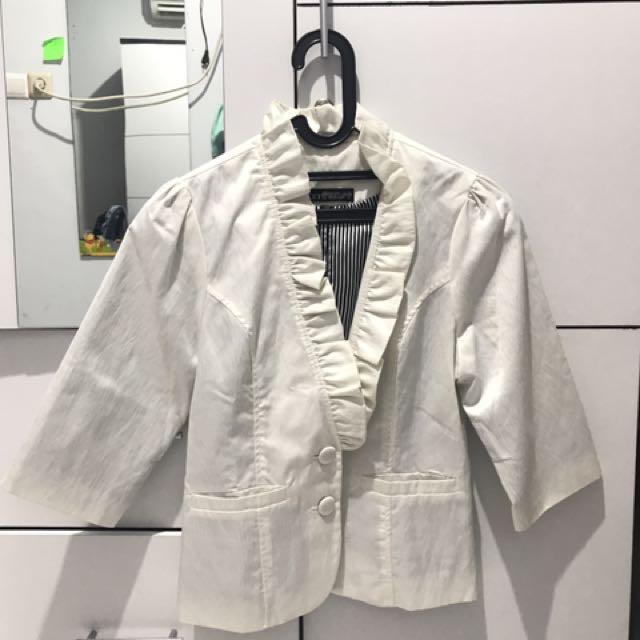 Urban Twist white blazer