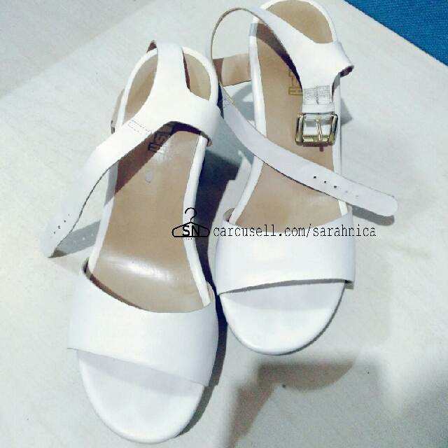 Reprice ! WEDGES HIGH HEELS PAYLES PUTIH WHITE