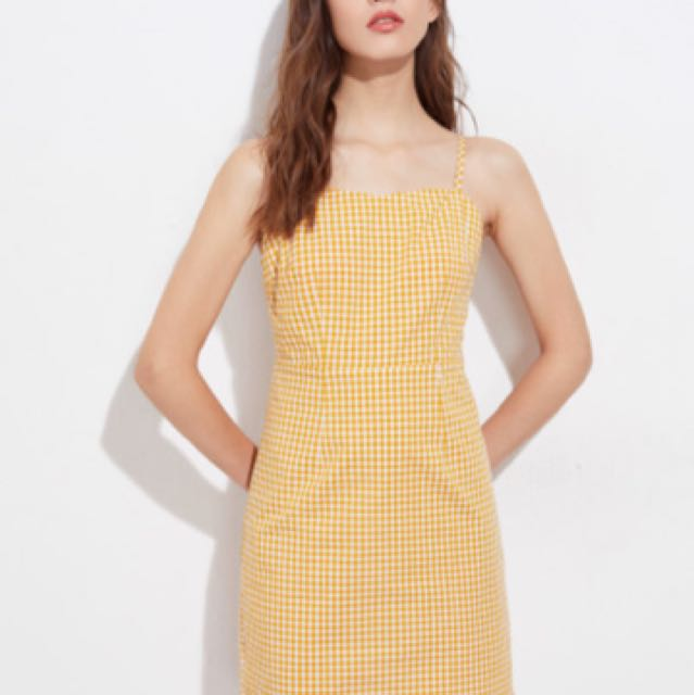 Yellow gingham dress (price can be nego)