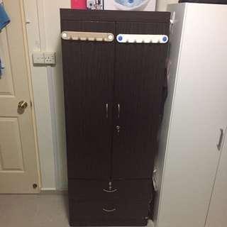 Dark brown 2-door wardrobe/cabinet