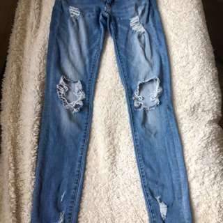 AEO Ripped Skinny Jeans