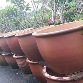 large clay pots..90x70 cm