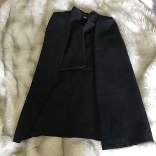 Ache black cape