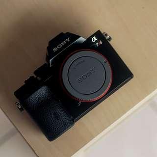 Preloved Sony A7R ILCE-7R E Mount Full Frame Sensor Body