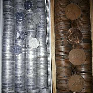 Old coins and bills. Ph and international currencies.