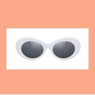 90s oval white/black