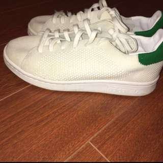 PRICE LOWERED adidas knit stan smith size 4.5/6.5