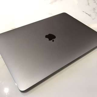 Macbook Pro 2016 MLL42 cc 8 2-months old