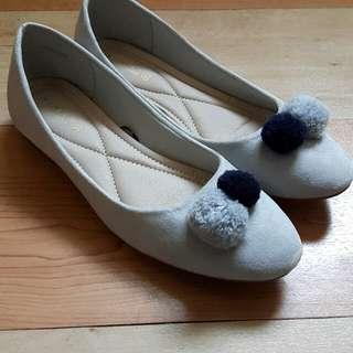 Vincci Balerina Pom Pom Shoes