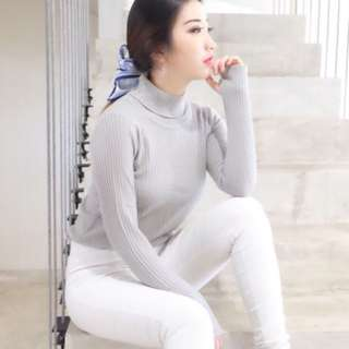 Knit grey top