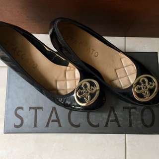 Staccato Black Wedges