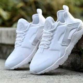 Nike Huaraches Ultra - White