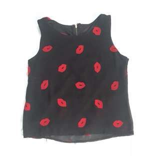 UNBRANDED Preloved lips top