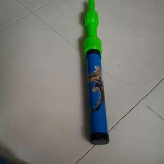 Hand pump Rocket launcher