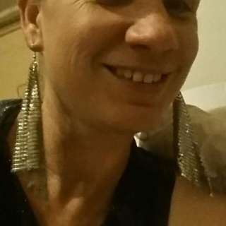 Silver Glo Mesh Diamond Shaped Earrings.