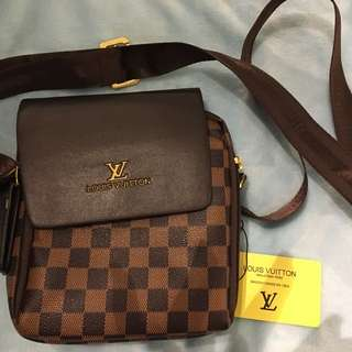 New with tag! Louis Vuitton side bag!!!