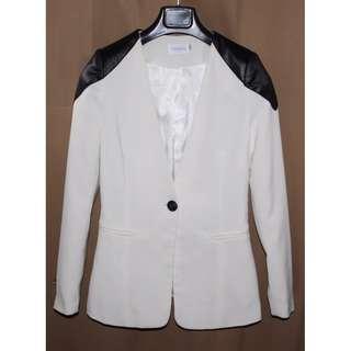 Tango White Coat