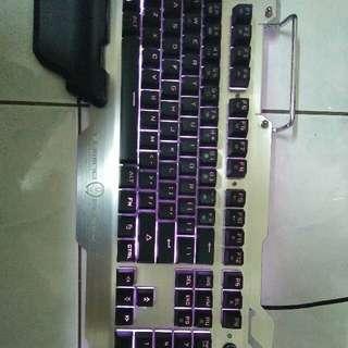 GAMING FREAK programmable gaming keyboard