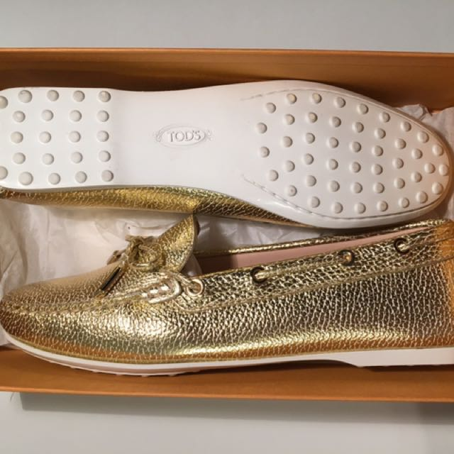 30% OFF: Tod's Leather Boat Shoe Loafers in Gold - EU 38.5