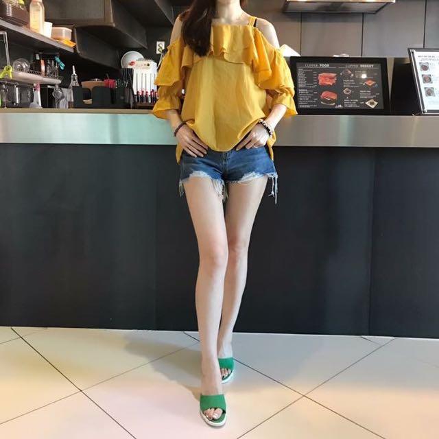 韓國連線 正韓黃色荷葉露肩上衣(亞麻)