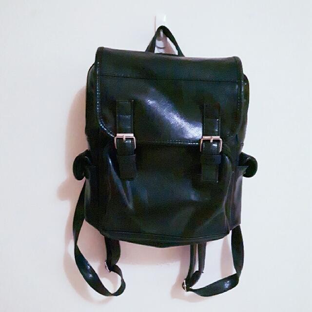 黑色軟皮後背包   #我有後背包要賣