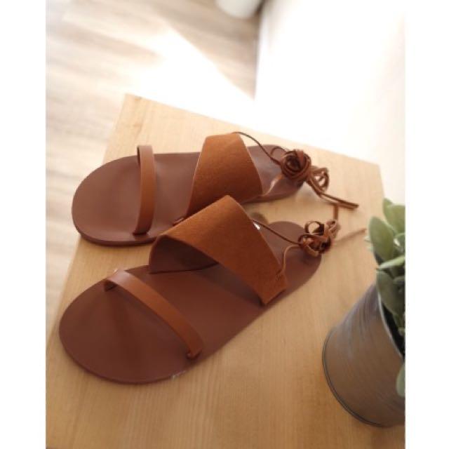 韓 麂皮涼鞋