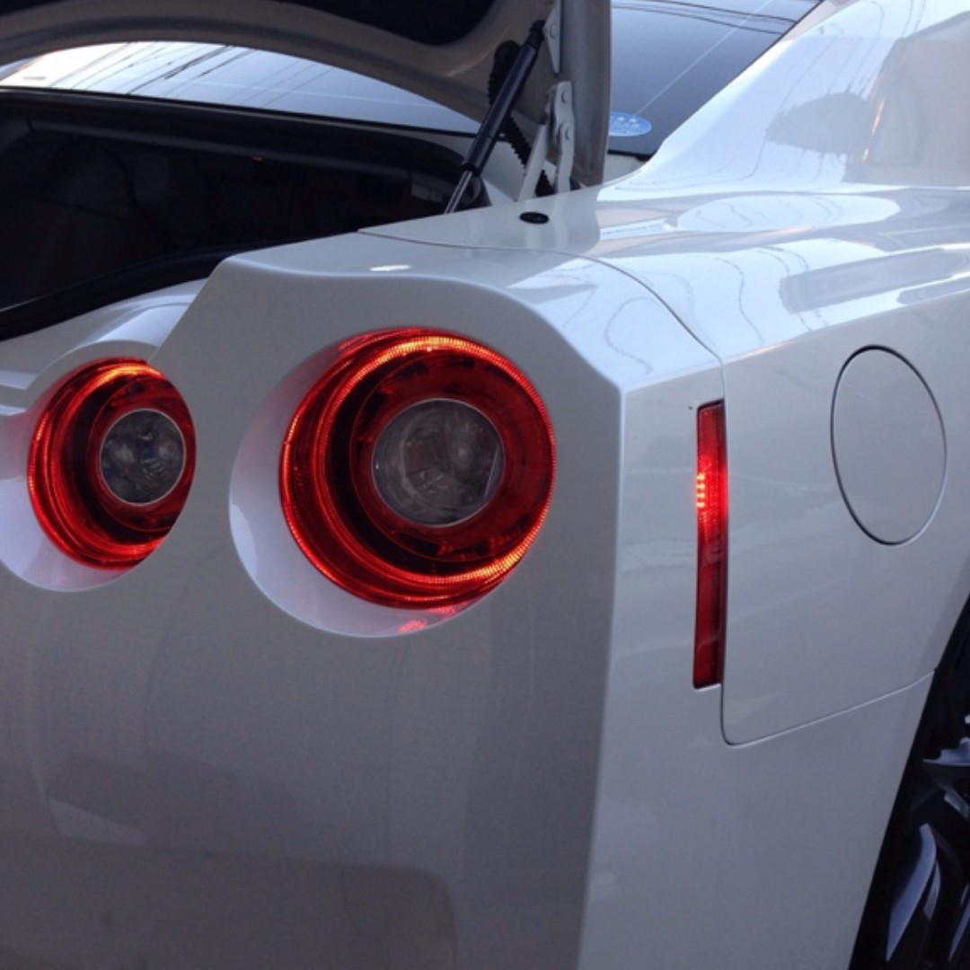 ☆ Nissan GT R R35 Rear LED Side Reflector Lamp ☆, Car Accessories On  Carousell