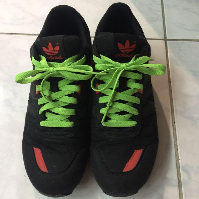 Adidas ZX700 12年 冠希著