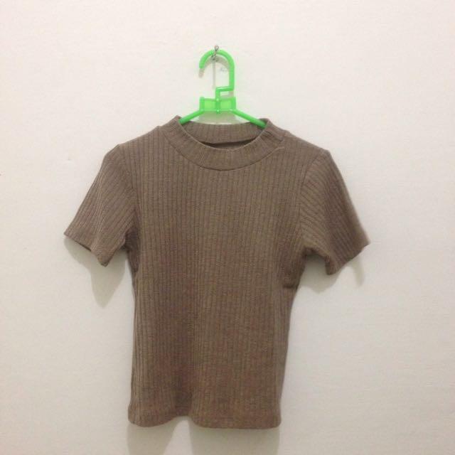 Brown knit crop