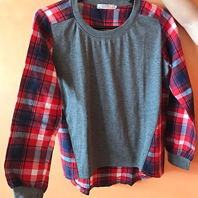 Checkered grey long sleeves top fits xs-s good as new