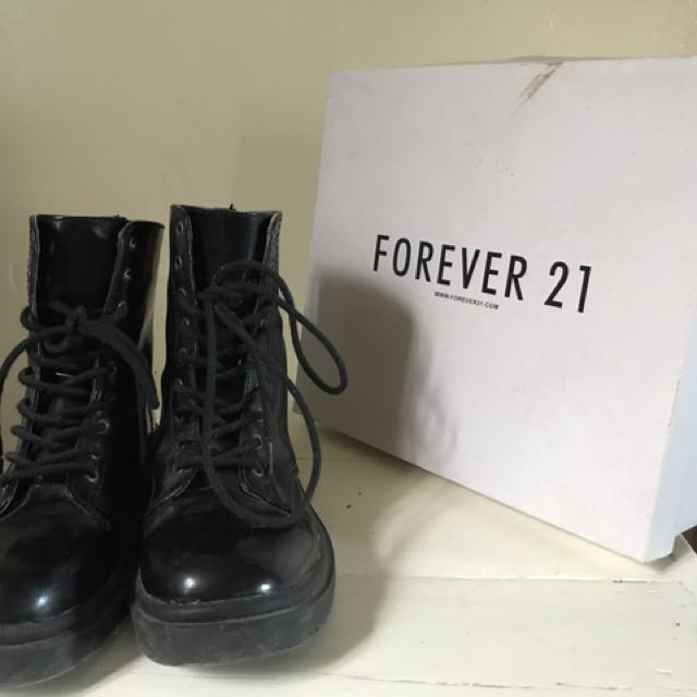 Forever 21 Boots (Original Price 2300) Used only twice (Good as New) size 5 US