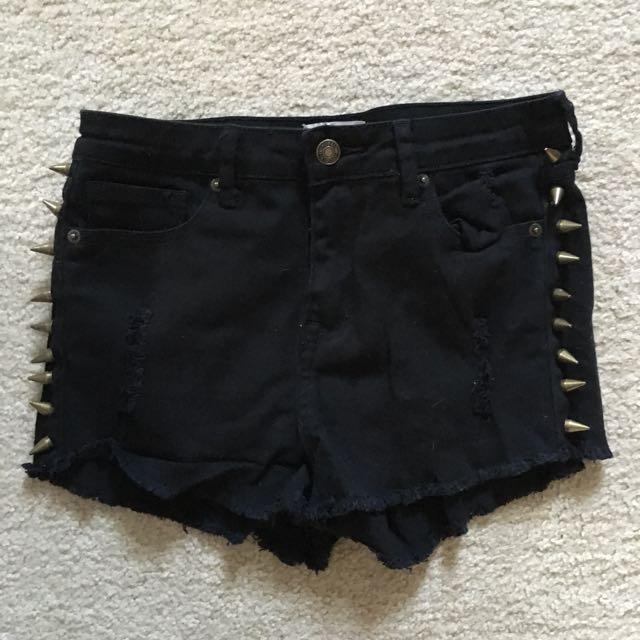 Forever 21 spiked black denim shorts size 26