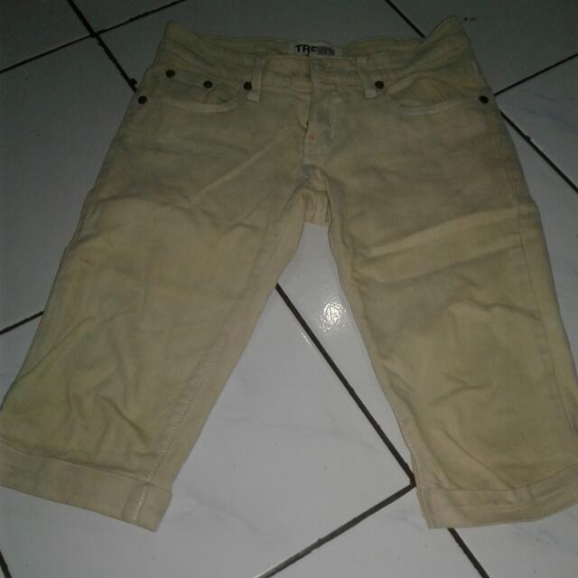 Jeans Selutut
