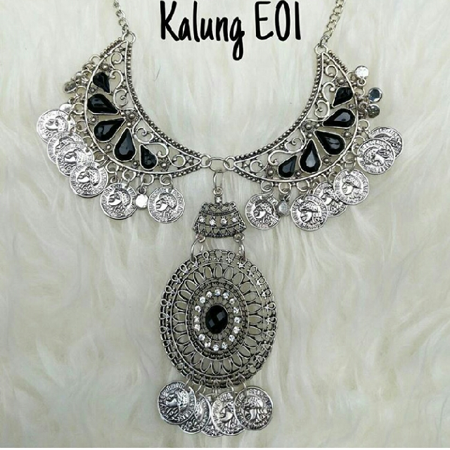 Kalung Glamour