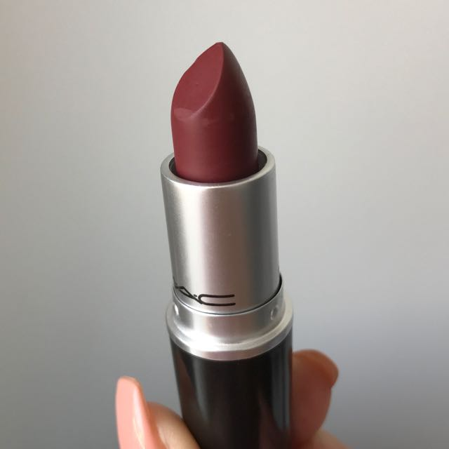 "MAC ""BOWL ME OVER"" LIPSTICK (DISCONTINUED)"