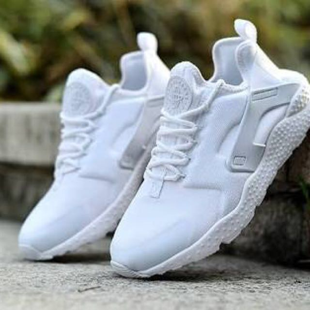 Nike Huaraches Ultra - White