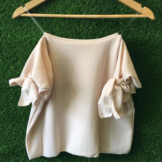 Nude Off Shoulder With Ribbon