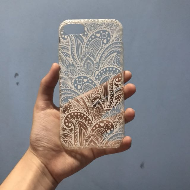 Patterned iPhone 7 case