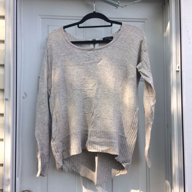 Size M Light Grey Knit Sweater