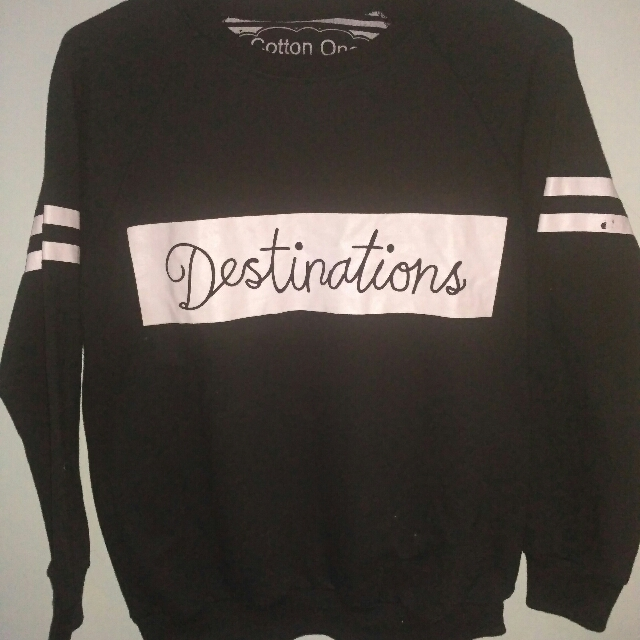Sweatshirt Hitam Cotton One