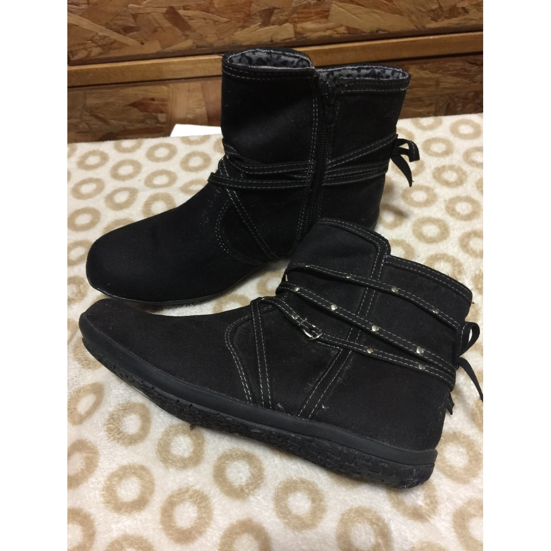 38ba24d61ca59 TKS Boots for Kids size 4