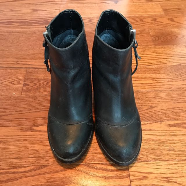 Topshop Black Booties Size 35.5