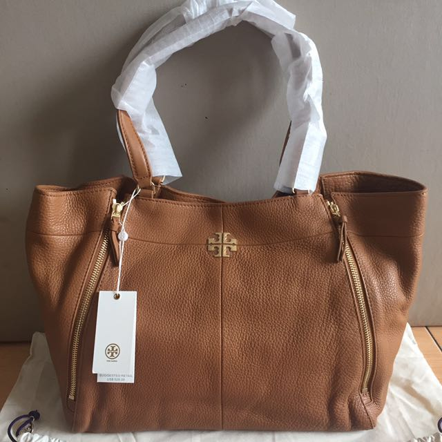 5c1780cd900a Tory Burch Ivy Tote Bag